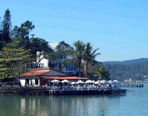 Restaurante Pitangueiras - Vista de longe do restaurante